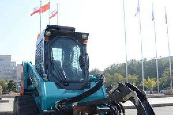 wheeled-skid-steer-loader-1167FB81E8-40BA-B4FC-BB4D-F5020EAB7DF2.jpg