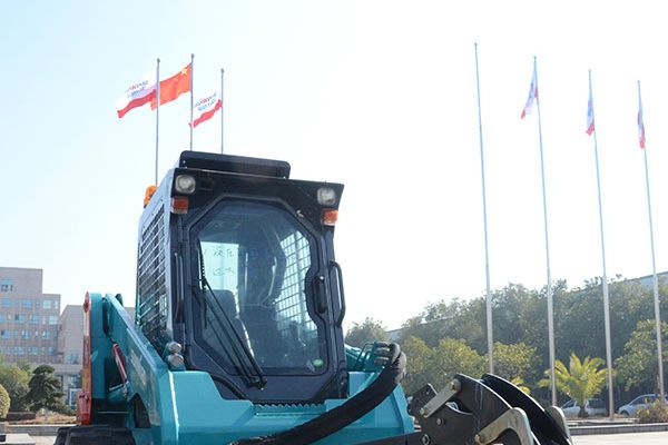 wheeled-skid-steer-loader-11709571CB-B8EB-3DF5-BE9E-32E0C30313A8.jpg