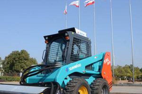 wheeled-skid-steer-loader-474E17F51-6346-1CE4-CE62-00AD11E3BF31.jpg