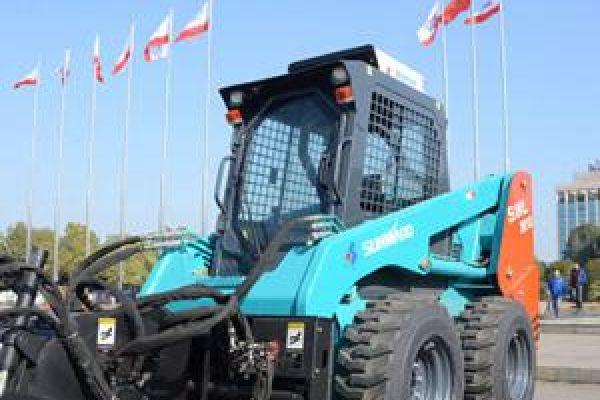 wheeled-skid-steer-loader-58C963B57-D6CF-EB8F-2A6F-AB5AEC8DD313.jpg