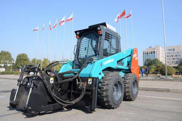 wheeled-skid-steer-loader-5D152AA90-C383-39C1-4296-88EA9EABF4E9.jpg