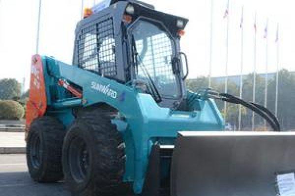 wheeled-skid-steer-loader-75FD4B9B2-4B4D-8B8F-B766-03F71A67D1E8.jpg